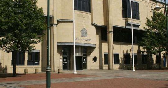 bradford-crown-court-404968594